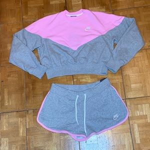 ✨✨ Nike Pink/Gray Cropped Sweatshirt & Short Set✨✨